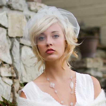 The-Golden-Blonde-Flip-Out-Wedding-Bob-Hair Wedding Hairstyles for Short Hair