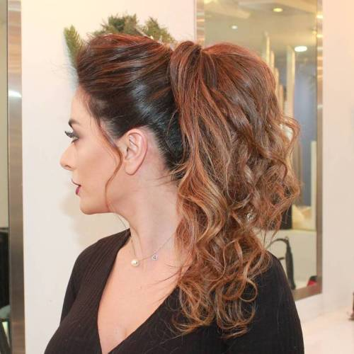 Voluminous-Pony-for-Wavy-Hair 10 Glamorous curly ponytails you must try