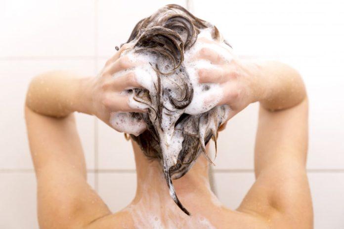 Washing-fine-hair How to wash Fine Hair