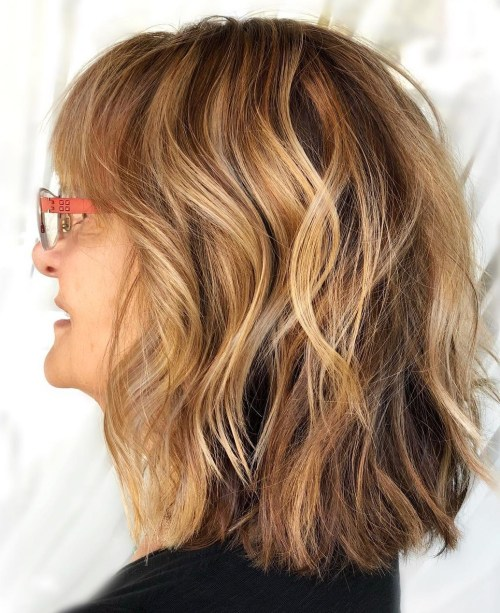 medium-wavy-hairstyle-for-thick-hair 12 Stylish shoulder-length hairstyles for women Over 50