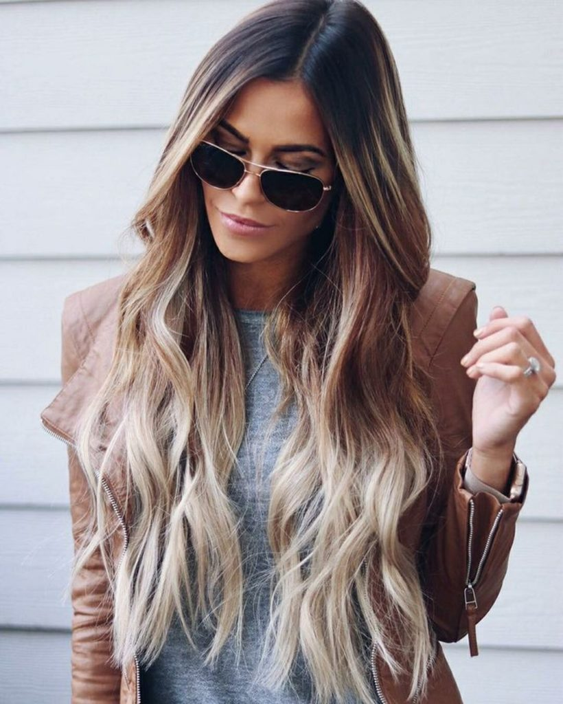 A-Diagonal-Fringe-Hairstyle-for-Long-Hair Trendy and Stunning Long Hairstyles 2020