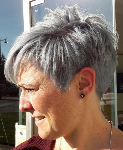 Choppy-Gray-Pixie 15 Beautiful pixie cuts for older women