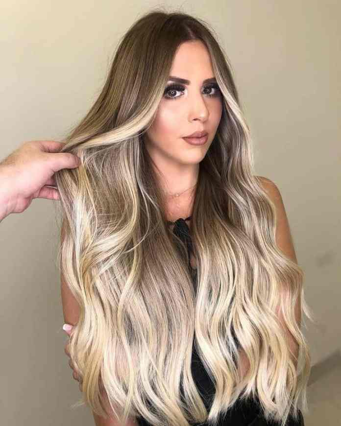 Graceful-Wavy-Hairstyle Trendy and Stunning Long Hairstyles 2020