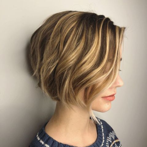 Jaw-Length-Toasted-Bronde-Bob 15 flattering short hairstyles for thin hair