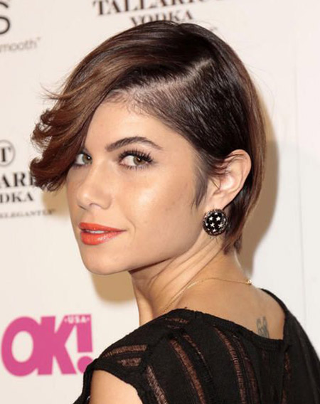 Leah-Labelle's-Lovely-Undercut-Hairstyles-with-Long-Bangs Celebrity Short Hairstyles for Women