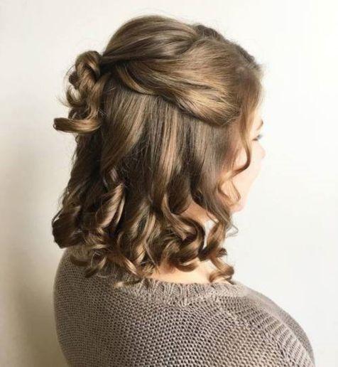 Medium-Hair-in-Half-Updo Best Trendy Half-up, Half-Down Hairstyles you must try.