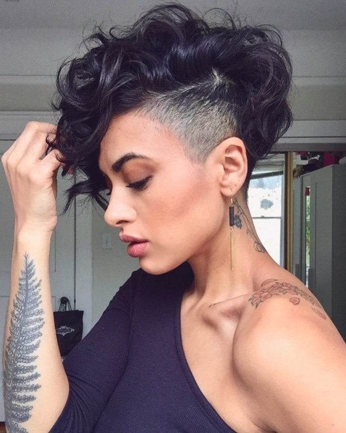 Messy-Pixie-for-Thick-Wavy-Hair Undoubtedly Coolest Pixie Cuts for Wavy Hair