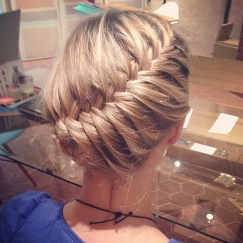 Prom-Curved-Braid-Updo 15 eye-catching Prom Hairstyles for Short Hair