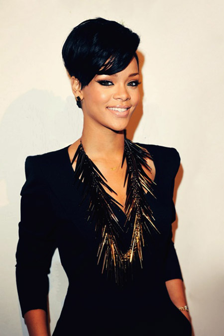 Rihanna's-Lovely-and-Charming-Pixie-Cut Celebrity Short Hairstyles for Women