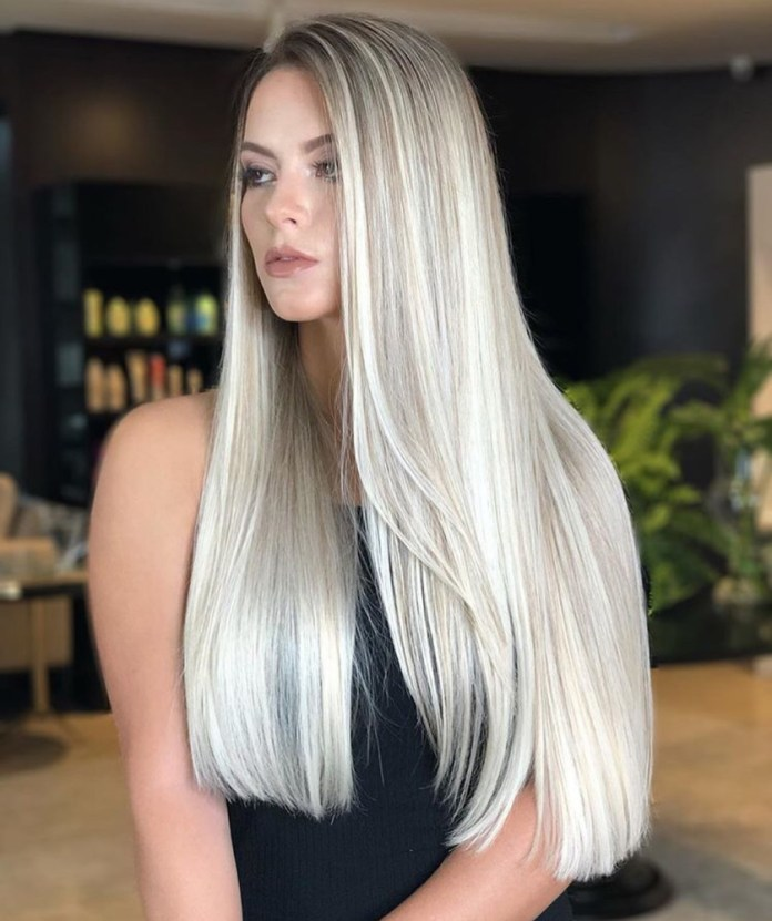 Simple-Straight-Blonde-Hairstyle Trendy and Stunning Long Hairstyles 2020