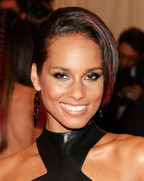 Add-some-red Quick and Easy Short Weave Hairstyles