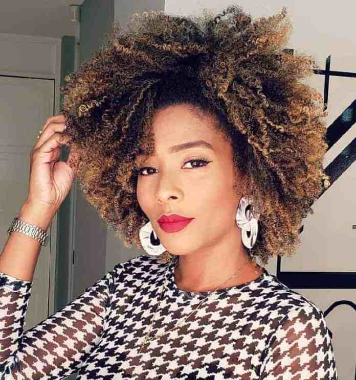 Curls-with-Blonde-Highlights Gorgeous Black Hairstyles with Highlights
