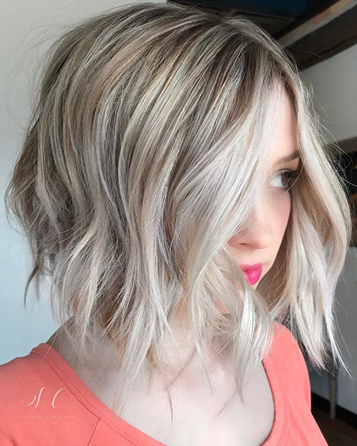 Cute-Blonde-Hair-Color Newest And Perfect Lob Styles