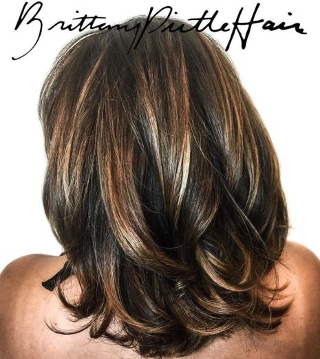 Dramatic-Highlights-for-Thick-Hair-1 14 Sensational Medium Length Haircuts for Thick Hair