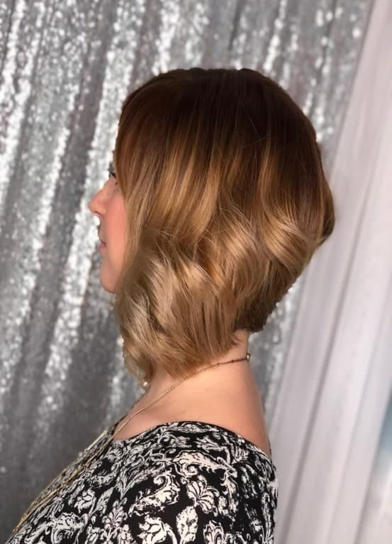 Inverted-Bob-with-Layers Flattering Wavy Bob Hairstyles for Women