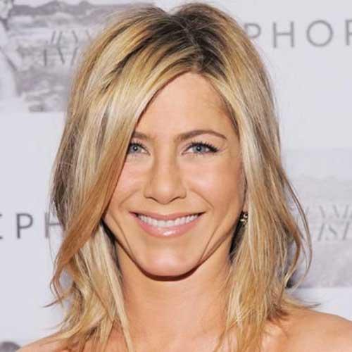 Jennifer-Aniston-Fine-Layered-Bob-Haircut Jennifer Aniston Bob Haircuts