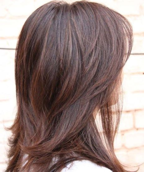 Layered-Haircut-with-Medium-Layers-1 14 Sensational Medium Length Haircuts for Thick Hair