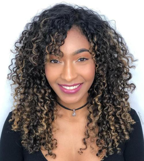 Long-Curly-Style 12 On-trend Hairstyles for Oval Faces You'll be dying to try!
