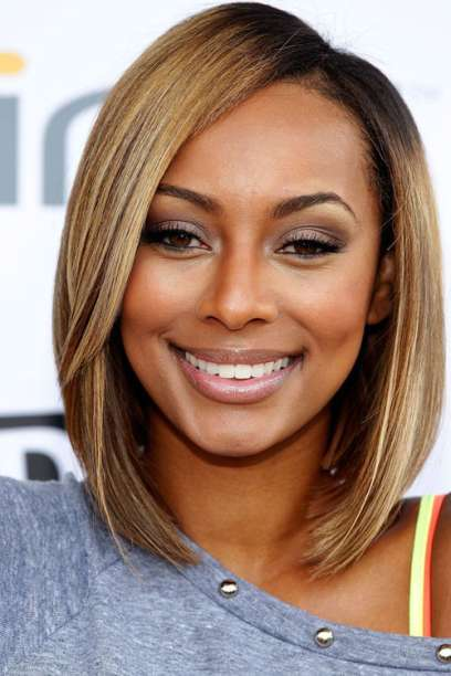 Long-bob-with-side-part Cutest Bob Haircuts for Women to Bump Up The Beauty