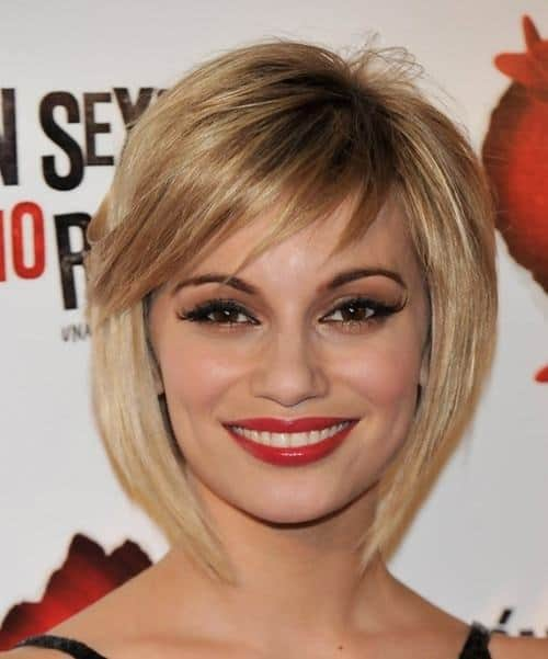 Long-bob-with-textured-bangs Cutest Bob Haircuts for Women to Bump Up The Beauty