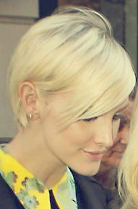 Lovely-Blonde-Pixie-Hairstyle Short Hairstyles for Straight Hair