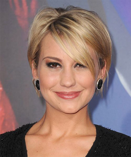 Lovely-and-Charming-Graduated-Bob-Cut Short Hairstyles for Straight Hair