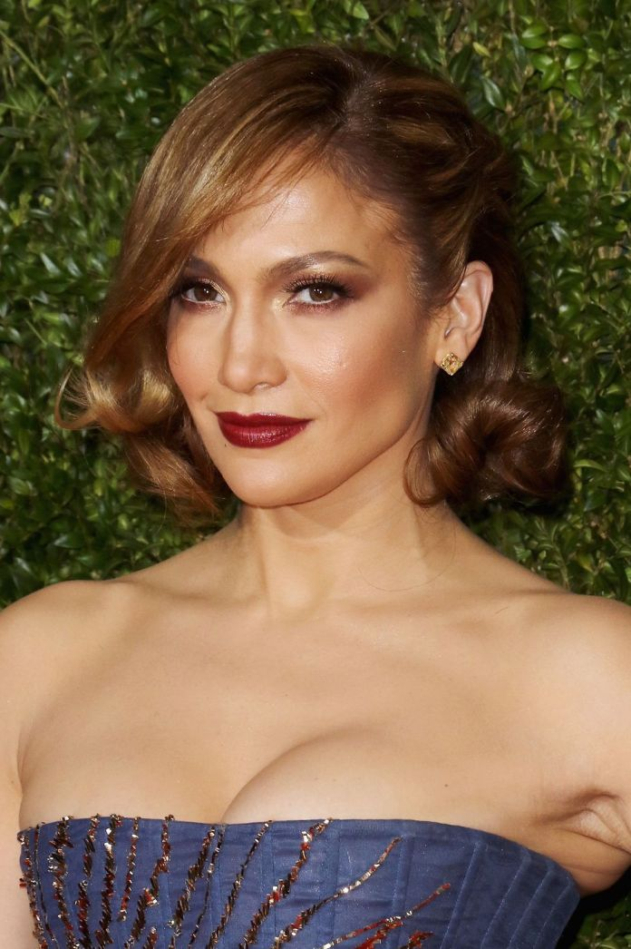 Rich-Toffee 10 Flirty and Flattering Light Brown Hair Color Ideas to refresh your casual look