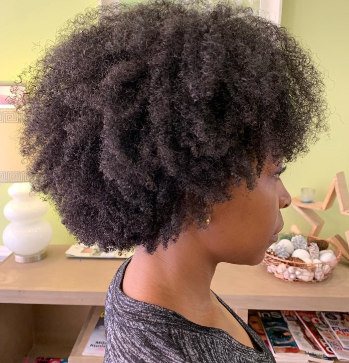 Short-Haircuts-For-Black-Women-To-Look-Stylish 10 Short Haircuts For Black Women To Look Stylish