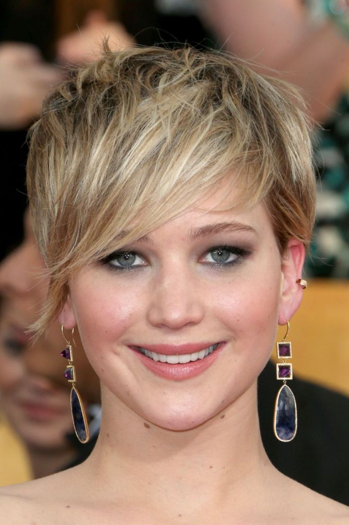 Spiky-and-Sweeping-Bangs 12 Best Hairstyles with Bangs to Inspire Your Next Cut