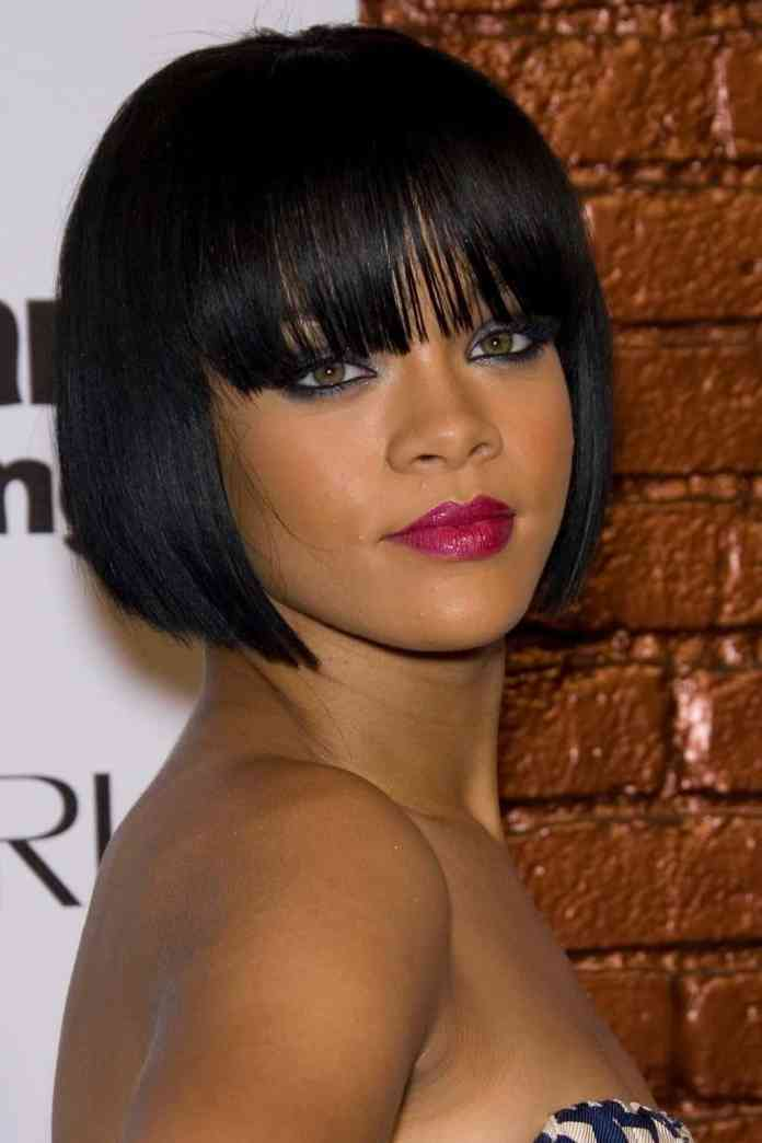 Square-Bob-With-Bangs Cutest Bob Haircuts for Women to Bump Up The Beauty