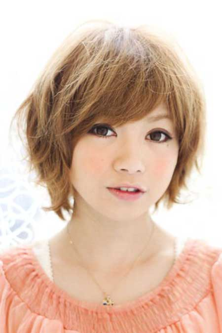 Asians-Simple-Cute-Bob-with-Messy-Look Gorgeous Layered Cut Bob Hairstyles
