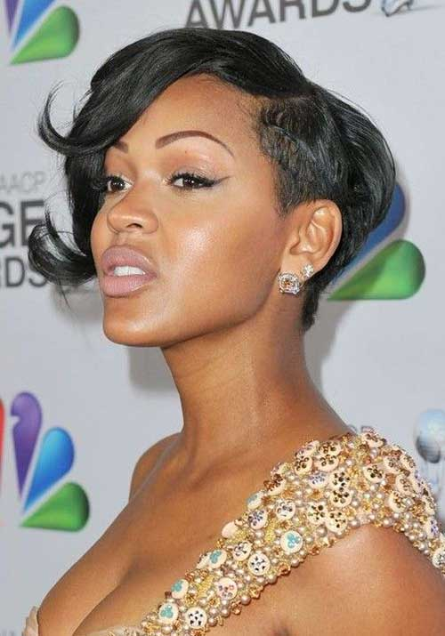 Black-Layered-Pixie-Side-Parted-Haircut-with-Long-Bangs Naturally Short Hairstyles for Beautiful Black Women