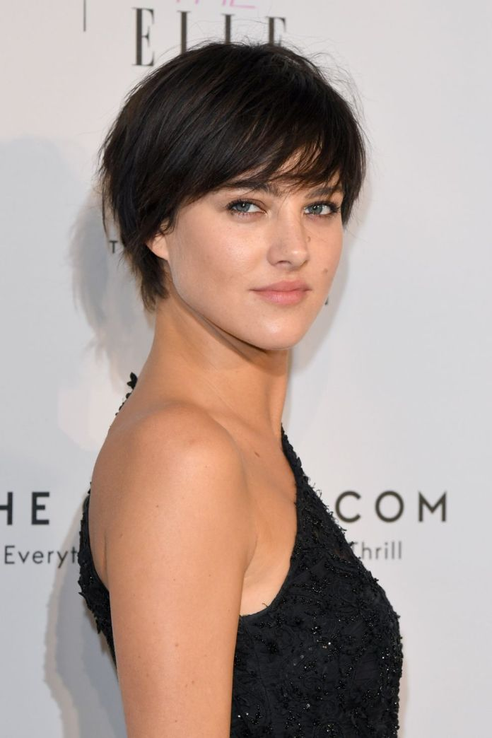 Eliza-Cummings-Side-Swept-Style-1 15 Pixie Cuts for All Hair Textures in 2020
