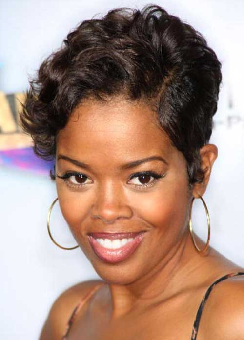 Extremely-Short-Pixie-Hairstyle-for-African-American-Women Naturally Short Hairstyles for Beautiful Black Women