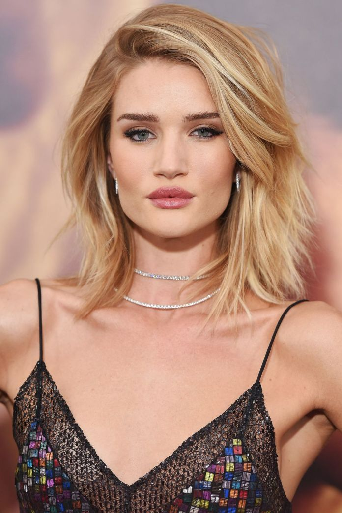 Feathered-Cut-Lob Lob Haircuts 2020 for Ultra Glamorous Looks