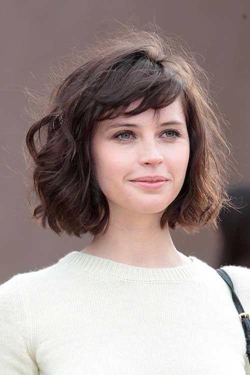 Felicity-Jones's-Thick-Wavy-Bob-Hairstyle Best Ways to Sport Bob Hairstyles with Thick Hair