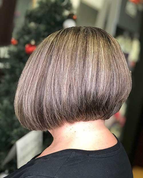 Graduated-Short-Bob Super Short Haircuts for Women