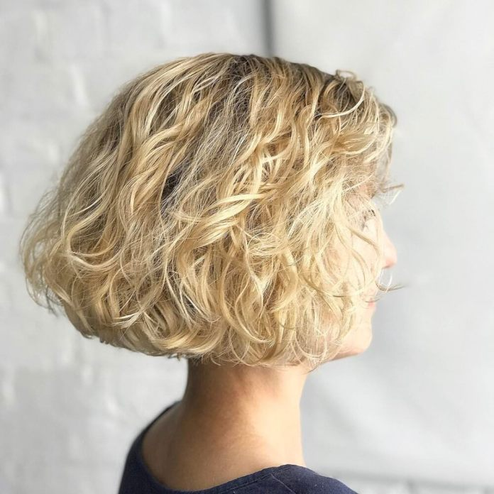 Honey-colored-bob 14 flattering and eye-catching hairstyles for short curly hair