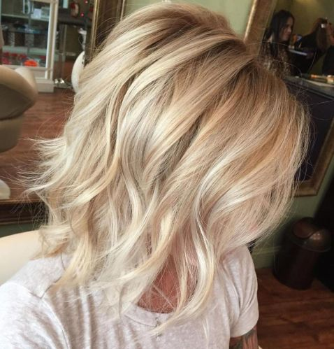 Layered-Honey-and-Platinum-Hairstyle 14 Mind-Blowing Haircuts for Thin Hair