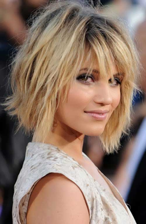 Messy-Blonde-Layered-Bob Best Short Bobs for Ladies with Round Faces