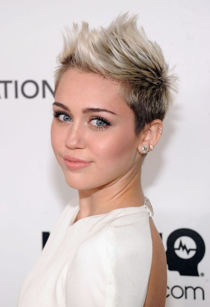 Miley-Cyrus-Frosted-Tips-1 15 Pixie Cuts for All Hair Textures in 2020