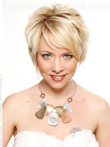 Nice-Blonde-Sided-Bob-Style Gorgeous Layered Cut Bob Hairstyles