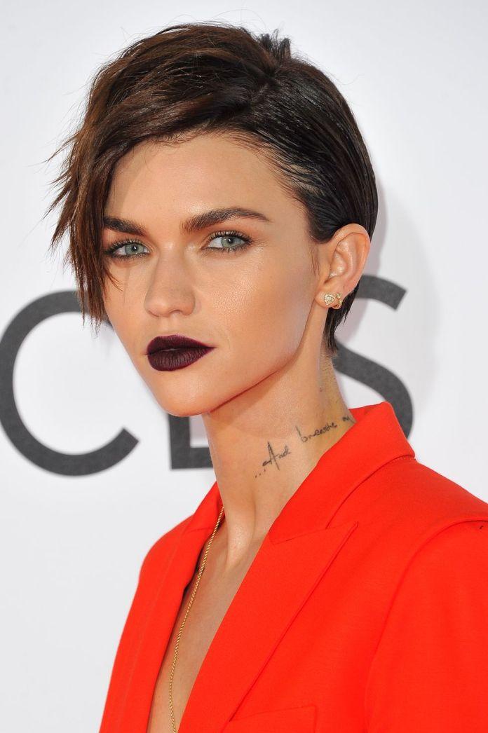 Piecey-Short-Cut 12 Hairstyles for Fine Hair That Won't Fall Flat