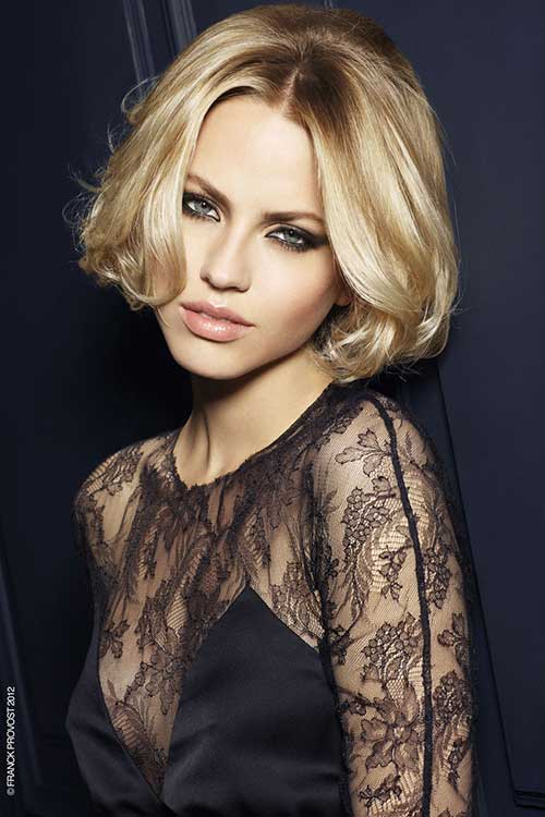 Short-Dramatic-Bangs-Bob Best Short Bobs for Ladies with Round Faces