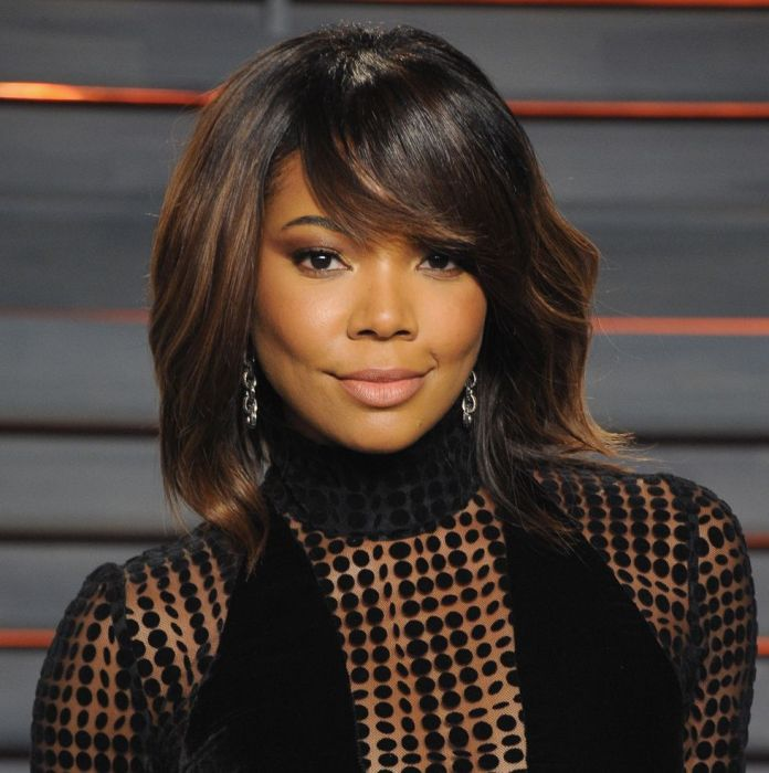 Short-hair-with-deep-side-swept-bangs 12 Prettiest Short Hairstyles for Round Faces