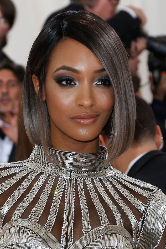 Subtle-Silver 10 Stunning Celebrities With Gorgeous Gray Hairstyles