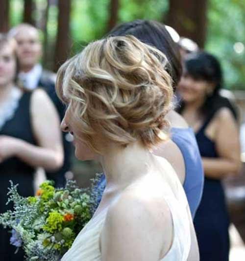 Wedding-Blonde-Curly-Hair-for-Short-Bob 15 Elegant Wedding Hairstyles for Bob Haircut
