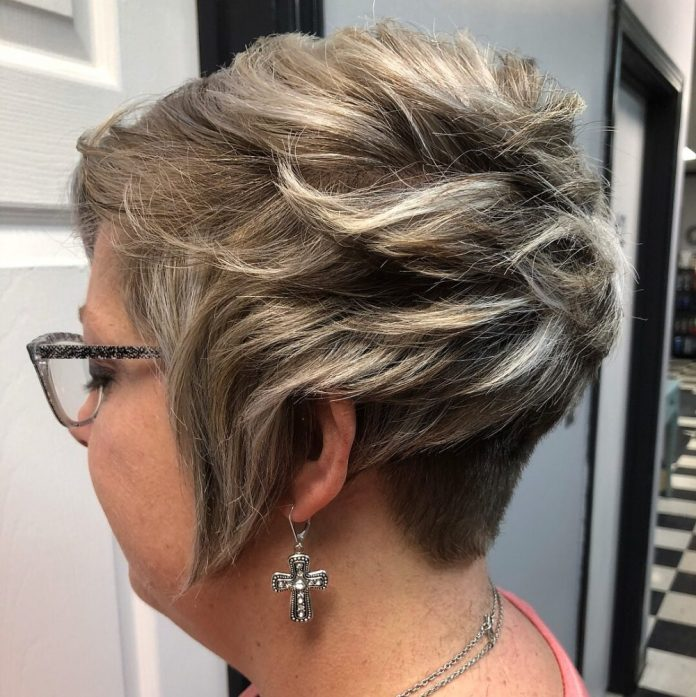 fresh-young-and-polished 10 youthful and stylish short hairstyles for women over 40