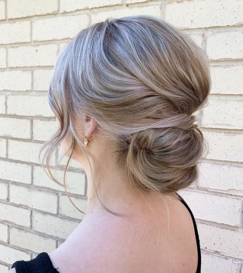 soft-and-romantic-updo 10 Gorgeous Prom Hairstyles For Long Hair