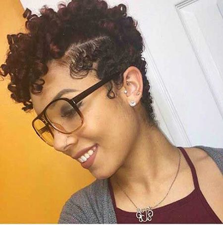 Cute-Hairstyle 33 Short Curly Natural Hairstyles for Black Women